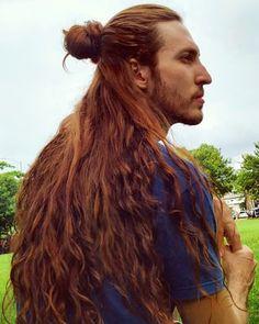 Male 'Rapunzel' claims women are jealous of his luscious long locks Red Hair Men, Long Red Hair, Medieval Hairstyles, Braided Hairstyles, Redhead Men, Viking Hair, Wedding Braids, Ginger Men, Pose