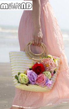 Miwind-F Flowers decals handmade rattan straw weaving straw bag, summer new eco-friendly beach travel tote linen knitted handbag Diy Tote Bag, Diy Purse, Beach Tote Bags, Tree Bag, Straw Weaving, Ethnic Bag, Straw Handbags, Craft Bags, Basket Bag