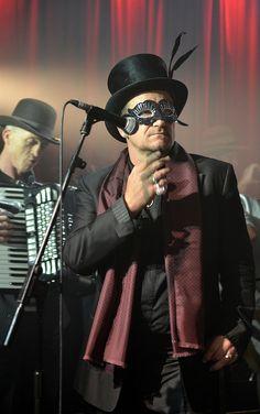 Bono Oct 2011 by Alex Connock (Twitter @mralexconnock), via Flickr