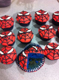 Spiderman Cupcakes                                                       …