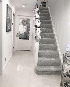 No photo description available. Grey Home Decor, Home Decor Kitchen, Living Room Decor Cozy, My Living Room, Home Room Design, House Design, Hallway Designs, Hallway Ideas, Narrow Hallway Decorating