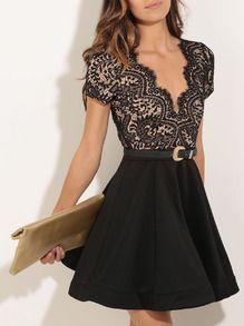 Vestido manga corta con encaje con vuelo -negro