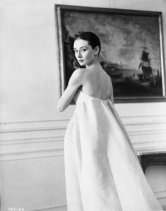 """Audrey Hepburn at a fitting for her new wardrobe designed by Hubert de Givenchy. ""[he] gave me a look, a kind, a silhouette"" "" Hollywood Glamour, Old Hollywood, White Photography, Portrait Photography, Audrey Hepburn Mode, Audrey Hepburn Givenchy, Aubrey Hepburn, The Nun's Story, Mode Vintage"