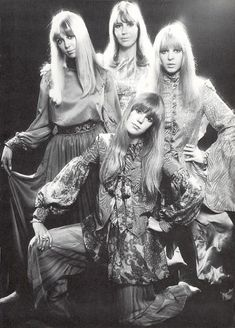 Cynthia Lennon (first wife of John Lennon), Maureen Starkey (first wife of Ringo Starr), Pattie Boyd (first wife of George Harrison and later on Eric Clapton) and Pattie's sister Jenny Boyd. Photo by Ronald Traeger in Pattie Boyd, Eric Clapton, John Lenon, Jane Asher, Les Beatles, Beatles Art, Beatles Photos, Beatles Lyrics, The Fab Four
