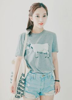 summer korean fashion that looks amazing. Cute Fashion, Look Fashion, Girl Fashion, Fashion Outfits, Fashion Trends, Korean Street Fashion, Korea Fashion, Asian Fashion, Pretty Outfits