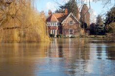George Michael's luxury country house under threat from River Thames flooding