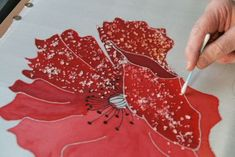 peinture sur soie Plus Hand Painted Dress, Hand Painted Fabric, Painted Clothes, Painted Silk, Block Painting, Acrylic Painting Canvas, Fabric Painting, Batik Art, Fabric Ornaments