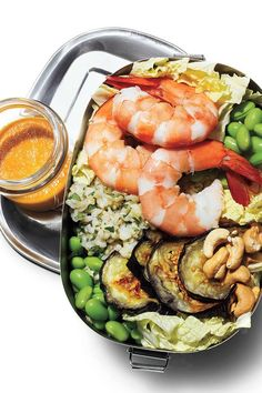 Asian Shrimp Salad: These delicious one-bowl recipes are perfect for packing a picnic or a work lunch. Try these healthy lunch ideas for meals that you can eat on the go. Edamame, Lunch Recipes, Healthy Recipes, Lunch Foods, Diet Recipes, Asian Shrimp, Shrimp Salad Recipes, Seafood Recipes, Portable Food