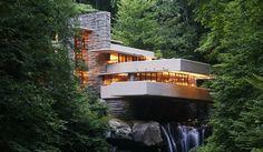 Casa da Cascata de Frank Lloyd Wright, fica na Pensilvânia e foi construída entre 1936 e 1939 sobre uma cachoeira. Matéria completa no site You Can Find.