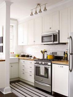 Cozinhas brancas e pequenas
