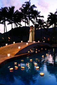 Clássicas e acolhedoras, as velas são elementos incríveis para a decoração. Veja como fazer uma linda decoração de casamento com velas.