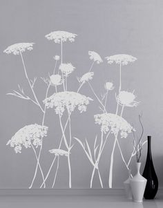 Decal #AC218Queen Anne's Lace Flower Wall Decal. Transform your room with asimple touch.Different sizes are available. Email us and we will give you a fair price.Some wall decals may come in multiple pieces due to the size of the design.Vin...