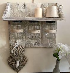 Diy con palets reciclados, pintura chalkpaint y ceys_montack he creado esta estanteria