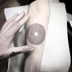 Disco labyrinth