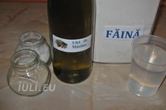 Aluat pizza la masina de paine Reteta | Iuli.eu Pizza, Drinks, Bottle, Food, Drinking, Beverages, Flask, Essen, Drink