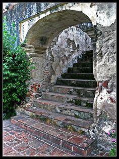 Escaleras/Stairs Colegio de San Jeronimo, Antigua Guatemala