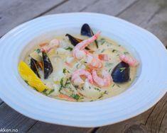 Deilig fiskesuppe - Klassisk oppskrift med torsk, reker o… | Gladkokken Er 5, Tacos, Dinner, Ethnic Recipes, Mad, Dining, Food Dinners