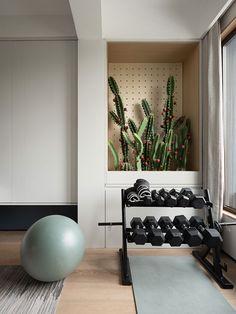 Home Gym Design, House Design, Gym Room At Home, Interior And Exterior, Interior Design, Bedroom Balcony, Flower Decorations, Lockers, House Plans