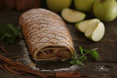 Apfelstrudel o strudel de manzana Apple Square, Scones, Meat, Cooking, Brownies, Food, Gastronomia, Home, Apple Strudel