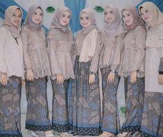Dress batik brokat modern most popular ideas Model Kebaya Brokat Modern, Kebaya Modern Hijab, Kebaya Hijab, Kebaya Dress, Batik Kebaya, Kebaya Muslim, Muslim Dress, Batik Dress, Hijab Dress Party