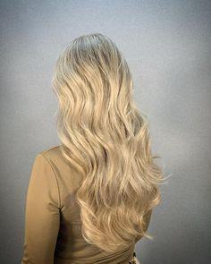 Fullhead highlights by Asuman Kapsalon Haarvisie Wateringen Hair Extensions, Blond, Highlights, Long Hair Styles, Beige, Beauty, Weave Hair Extensions, Extensions Hair, Long Hairstyle