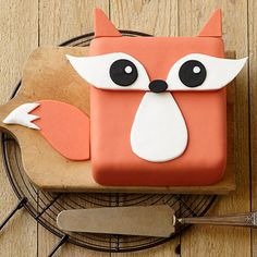 Wilton Cake Decorating & Tools Festive Fox Cake - Trot into your next summer party with this adorable fox cake. Our Decorator Preferred™ Fondant and provided patterns make creating this cake a breeze! Wilton Cakes, Cupcake Cakes, Owl Cakes, Beautiful Cakes, Amazing Cakes, Animal Cakes For Kids, Fox Cake, Wilton Cake Decorating, Puddings