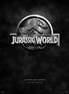 Jurassic World film de Colin Trevorrow avec Chris Pratt, Bryce Dallas Howard. Depuis 10 ans le parc existe mais les visiteurs sont moins nombreux, peut être