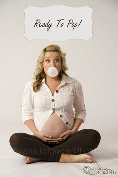 Pregnancy photo... @Amber Nelson I think about you every time I see this picture. I vote you should do this :) // it'll also match your announcement.