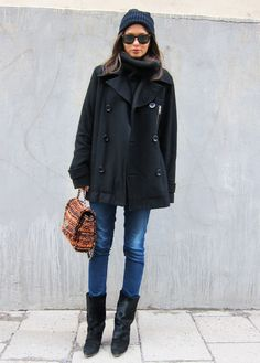 coat boyfriend, turtleneck from Hunkydory, jeans from Frame Denim, boots from Isabel Marant, sunglasses from Ray Ban, hat from Elvine, bag from Mulberry