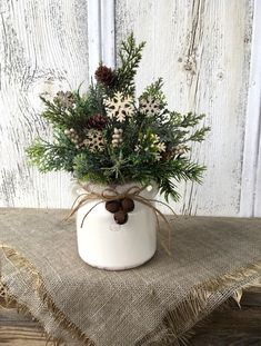 Excited to share this item from my shop: Winter Snowflake Arrangement, Winter White Decor, Christmas Centerpiece, Holiday Arrangement, Snowflake. Farmhouse Christmas Decor, Primitive Christmas, Rustic Christmas, Winter Christmas, Christmas Home, Christmas Wreaths, Primitive Snowmen, Primitive Crafts, Christmas Christmas