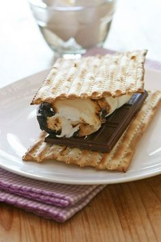 Passover S'mores | Community Post: 26 Delicious Ways To Serve Matzah This Passover