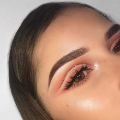 "764 Likes, 27 Comments - sara farré (@sarafarremua) on Instagram: ""Peachy kick • Did this look live so if you want to watch how i did it i saved the live just for…"""