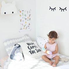 all white kids room // nursery design Scandinavian style // pillow quote Nursery Design, Nursery Decor, White Kids Room, Baby Deco, Pillow Quotes, Kids Decor, Home Decor, Scandinavian Style, My Room