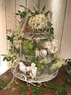 Hortensien-Etagère in Weiß