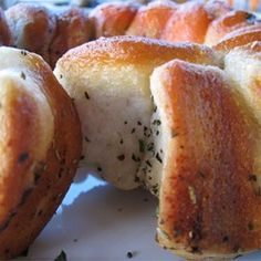 """Garlic and Herb Pull Apart Bread 