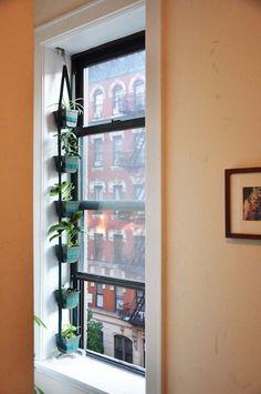 Best Indoor Garden For Apartment Design Ideas The Best Indoor Herb Garden Ideas For Your Home And Apartment No 10 in ucwords] Diy Hanging Planter, Hanging Herbs, Planter Ideas, Hanging Gardens, Hanging Baskets, Hanging Pots, Home Design, Design Ideas, Garden Windows