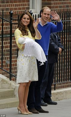 Royal baby girl revealed by Kate Middleton and Prince William outside Lindo Wing | Daily Mail Online