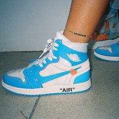 Price of New Nike Off-White Air Jordan 1 Blue / OW sneakers online Zapatillas Nike Jordan, Tenis Nike Air, Nike Air Shoes, Jordan Shoes, Jordan 1, Souliers Nike, Sneakers Fashion, Fashion Shoes, Fashion Outfits