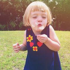 Stolen moments, airborne dreams. Dandelions are magic (and daisies, too). ❤️❤️ #oliveelise