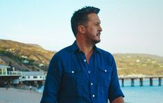 LUKE BRYAN SHARES PROUD TO BE RIGHT HERE TOUR PLANS Top Country Songs, Country Music News, Country Music Stars, Country Singers, Be Proud, Luke Bryan, Special Guest, Tours, How To Plan