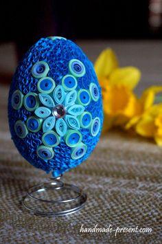 niebieska pisanka wielkanocna quilling blue easter egg