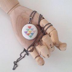 ⚪️siparis ve bilgi icin✉️buy.badadesign@gmail.com  #badadesign #çarpıişi #carpiisi #kaneviçe #etamin #xstitch #stitch #crossstitch #crossstitching #craft #handcrafted #handmade #handcraft #needlework #kisiyeozel #alışveriş #alisveris #özeltasarım #tasarım #tasarim #design #sewing #cute #kolye #necklace #jewelry #necklaces #takı #brooch #triangle