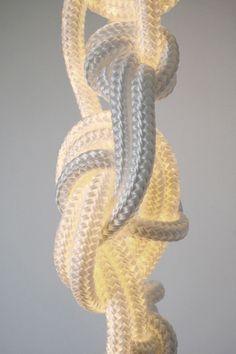Verknotet: Leuchte Ropes von Christian Haas