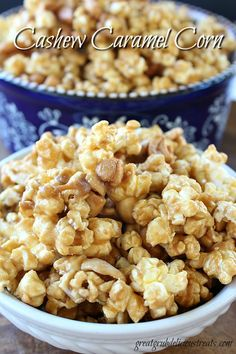 Cashew Caramel Corn - This cashew caramel corn is simple, quick and delicious! Such a sweet and salty snack! Everyone will surely enjoy this tasty treat!
