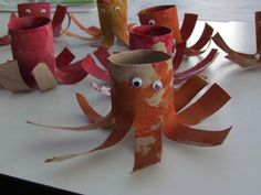 Octopus toilet paper roll