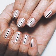 Negativ Space Nails, thisisvenice