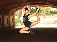 #friyay @dancer.jade in our Focus on Me muscle tee. #fridayfav #centralparknyc #focusonme #danceshirt #doublestag #covetdancer #fridayfavorite