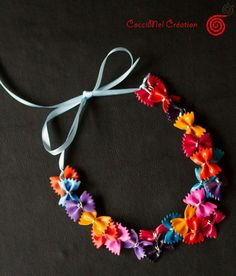 collier de pate multicolore