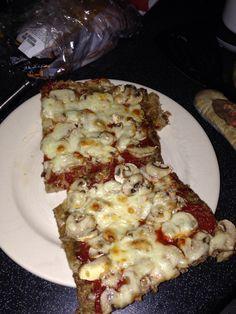 Pizza op gehaktbodem