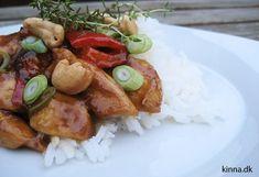 Kung Pao Chicken - en lækker kinesisk ret med kylling, ris, ovnbagte peberfrugter og cashewnødder Kung Pao Chicken, Mad